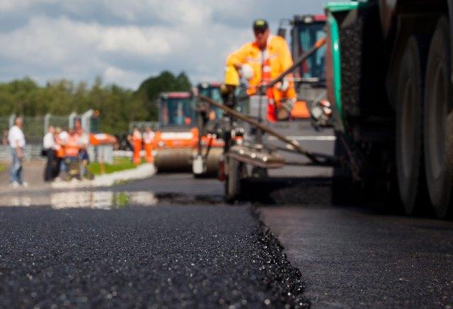 ВВолгограде починят 25 километров дорог