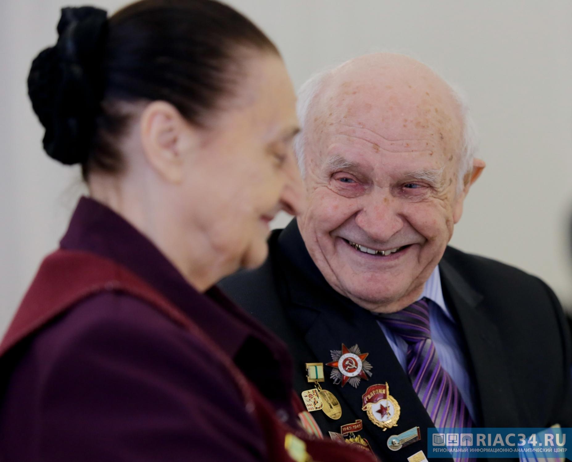 Ссамого начала года 120 граждан Волгоградской области подчеркнули 100-летний юбилей
