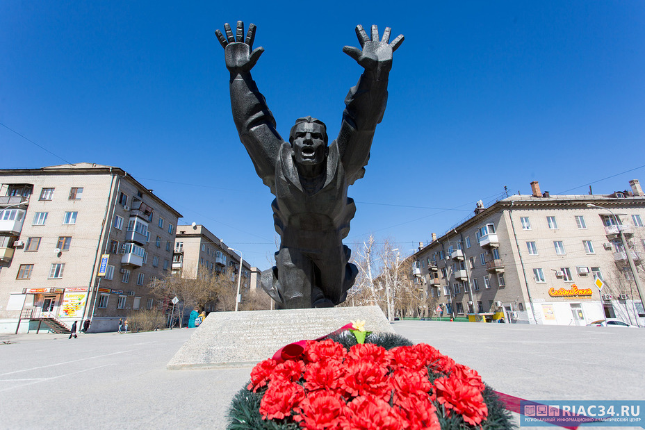 ВВолгограде собираются возродить шефство над военнослужащими памятниками