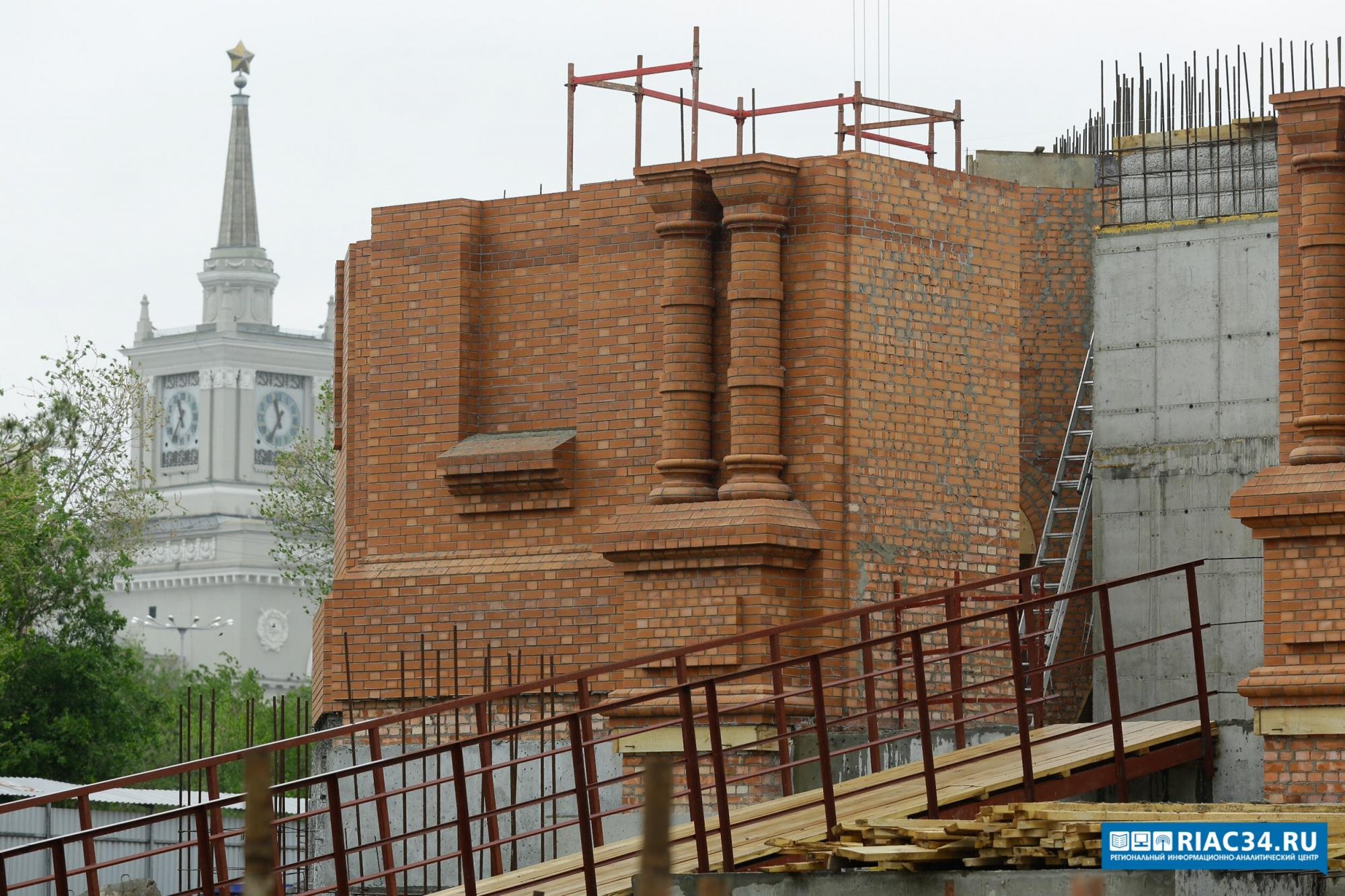 ВВолгоград прибыл 12-тонный главный колокол для храма Невского