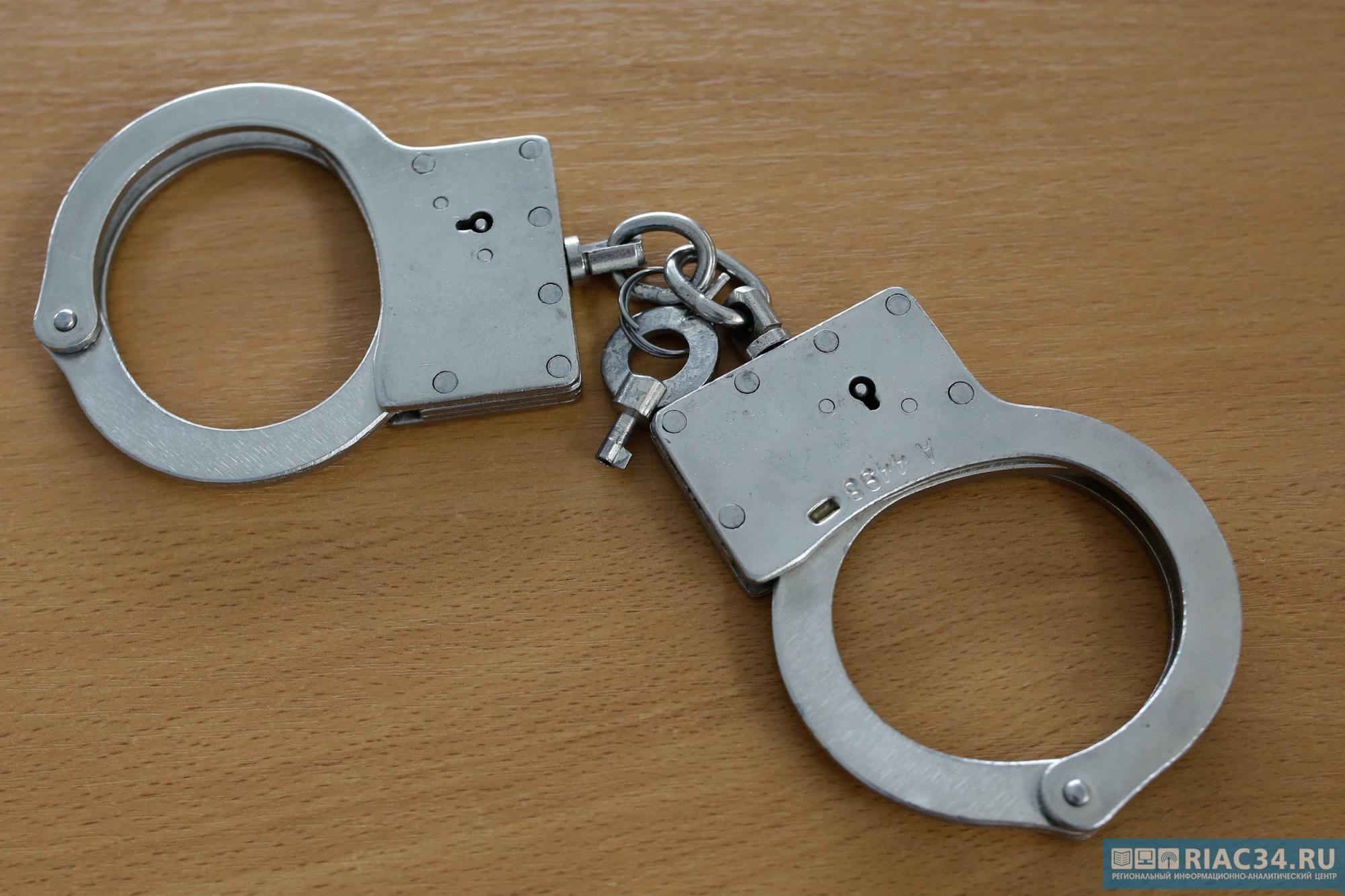 Волгоградец попытался избежать скандала с супругой  спомощью  милиции