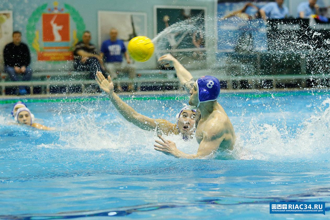 Женская сборная РФ поводному поло одержала 3-ю разгромную победу наЧЕ