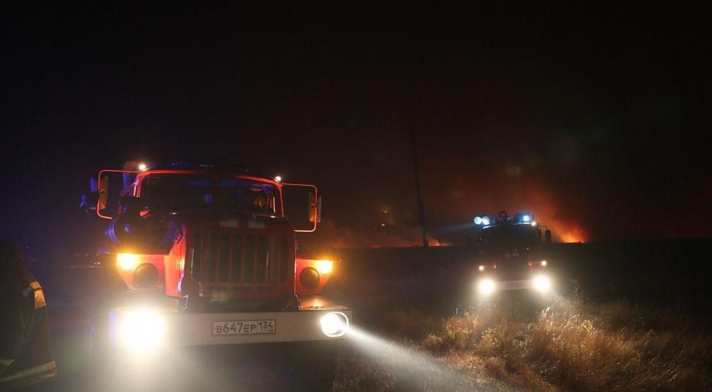 Путин поручил разобраться впричинах пожаров