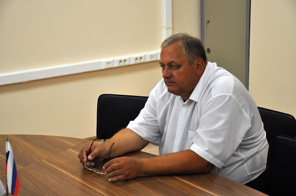 Кандидат в губернаторы Волгоградской области от «Партии пенсионеров» регистрирует документы в облизбиркоме