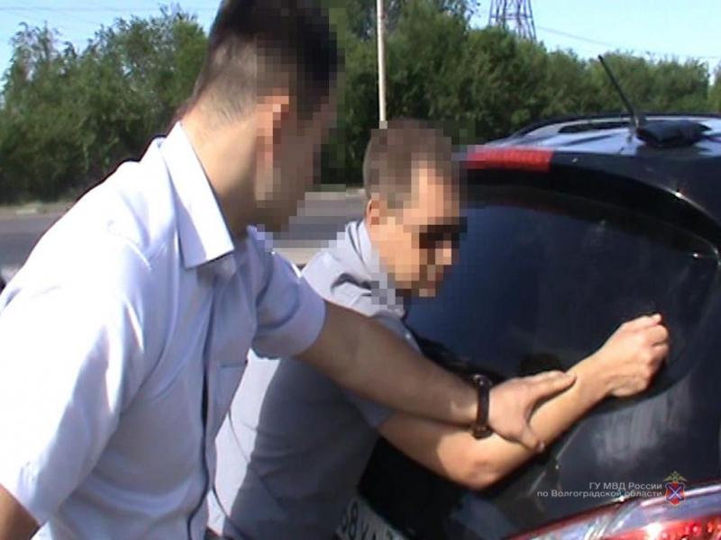 Босс Волжского отдела крупногоАО вымогал сподрядчика миллионы