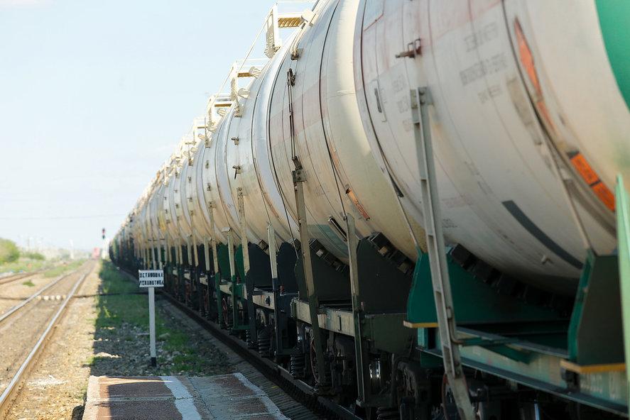 ВВолгоградской области задымились 16 вагонов ссерой