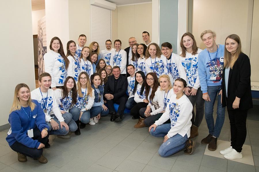 Андрей Бочаров встретился с победителями Всероссийского конкурса волонтеров