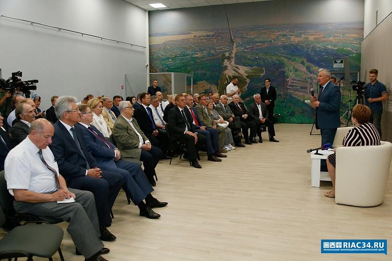 Волгоградские общественники выдвигают Бочарова