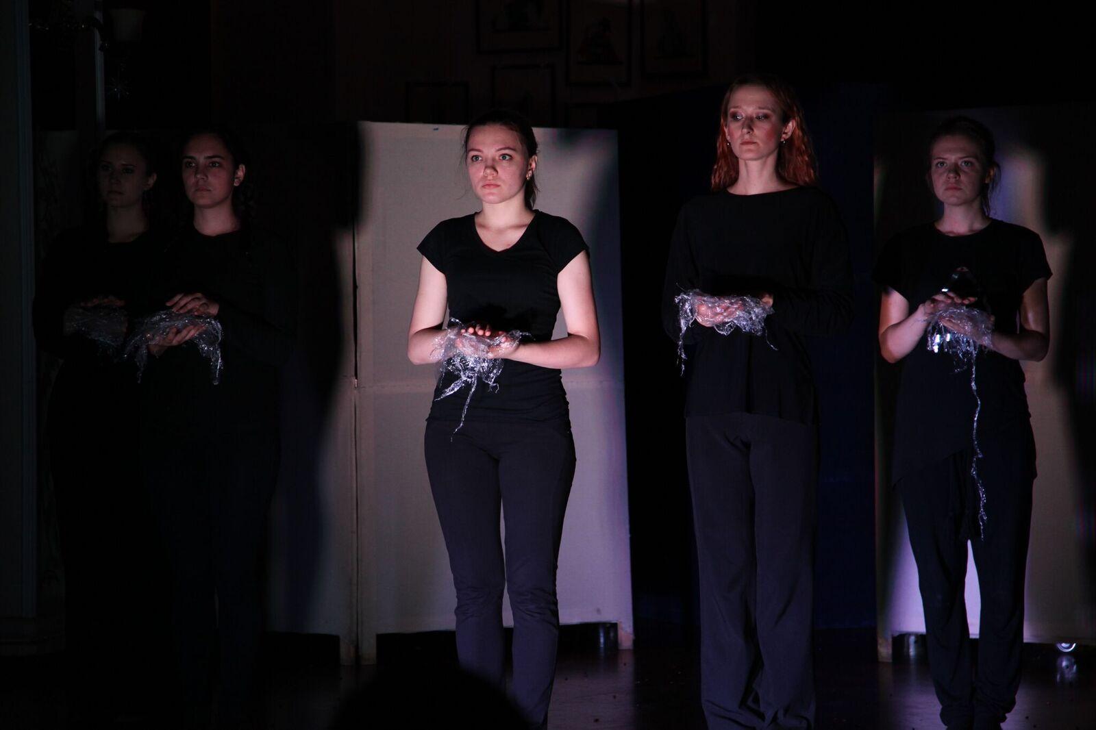 Актеры волгоградского театра кукол прошли курсы арт-терапии