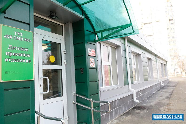 Андрей Бочаров потрадиции 1января инспектирует 7-ю клинику