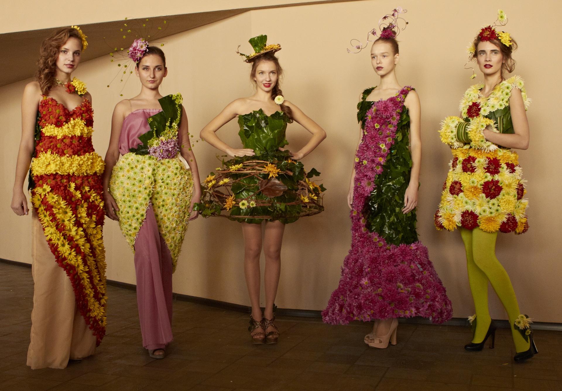 Цветы на платье своими руками фото
