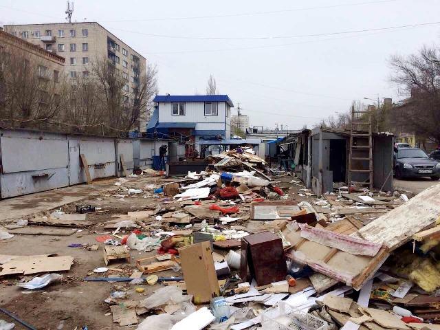 ВВолгограде сносят павильоны на«Казачьем рынке»