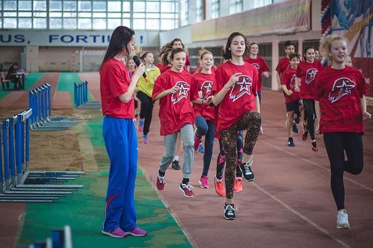 500 легкоатлетов выступили натурнире Елены Слесаренко