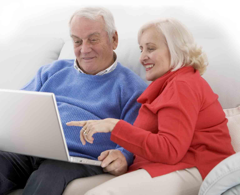 Компьютер и пожилой человек картинки