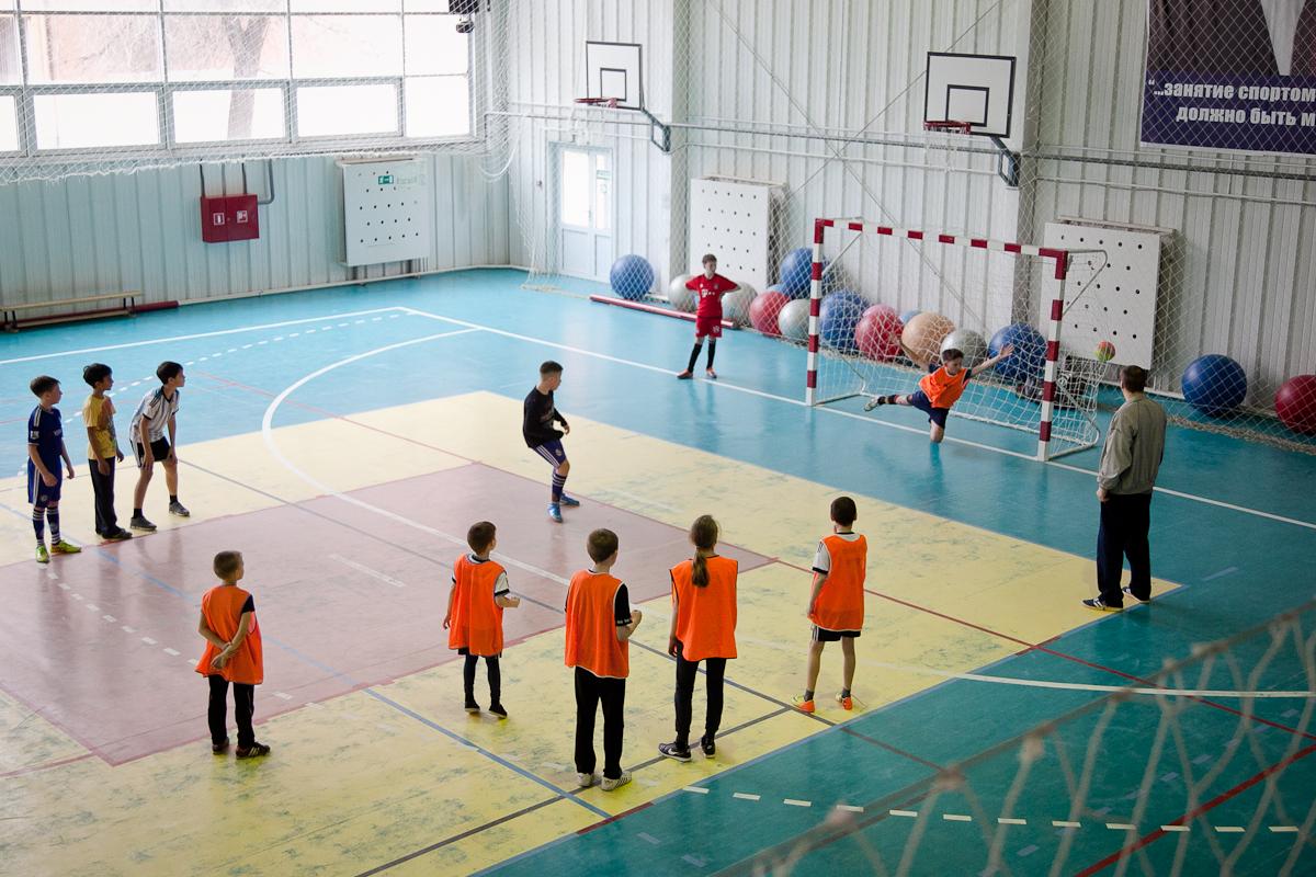 В16 сельских школах кновому академическому году починят спортзалы