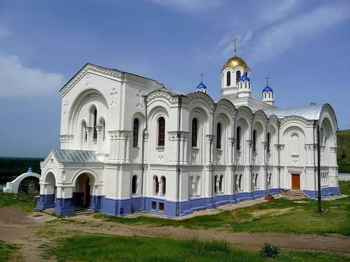 Гражданин Волгоградской области идет под суд закражу золота изженского монастыря