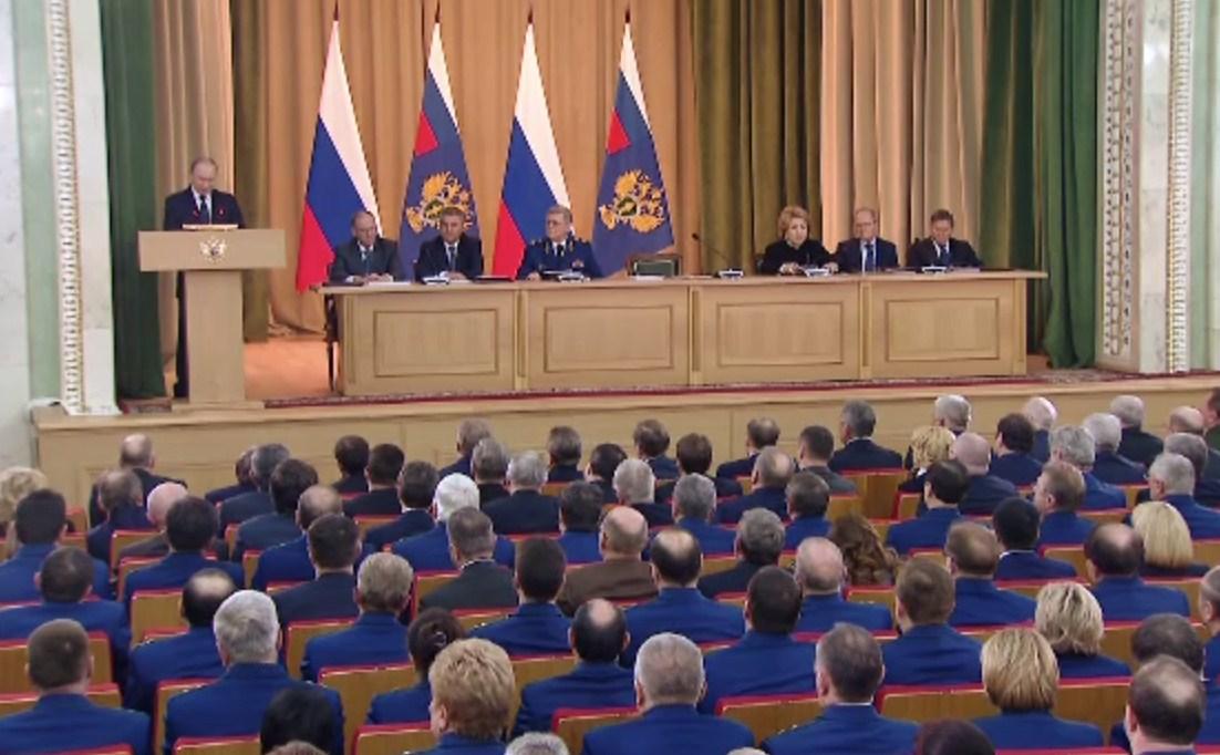 Путин призвал прокуратуру защищать трудовые и социальные права россиян
