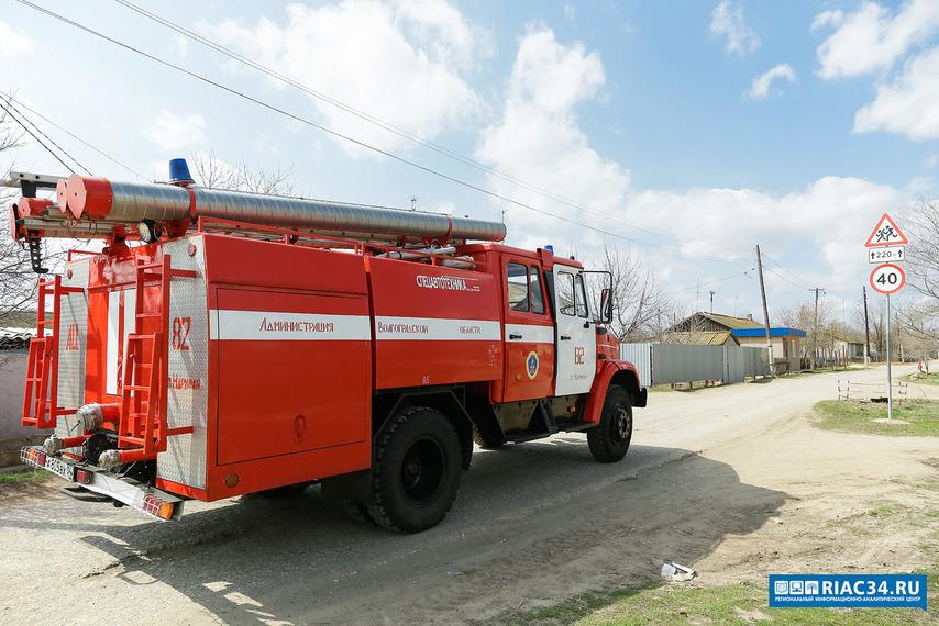 Наюге Волгограда впожаре вмногоэтажке эвакуированы жильцы
