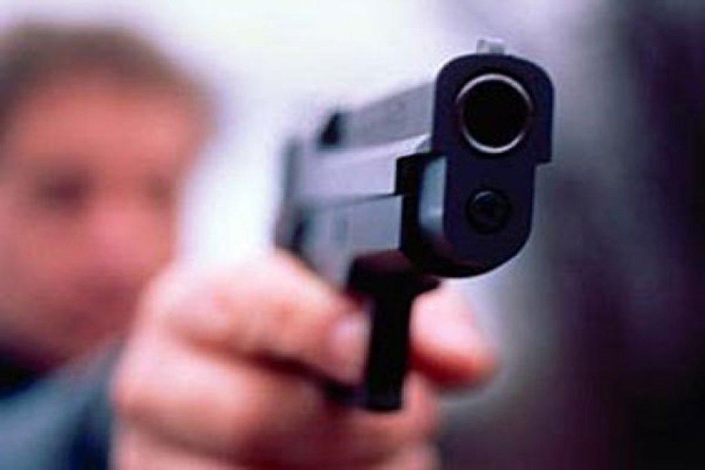 ВМихайловке работник  ЧОПа выстрелил изпистолета в гостя  магазина