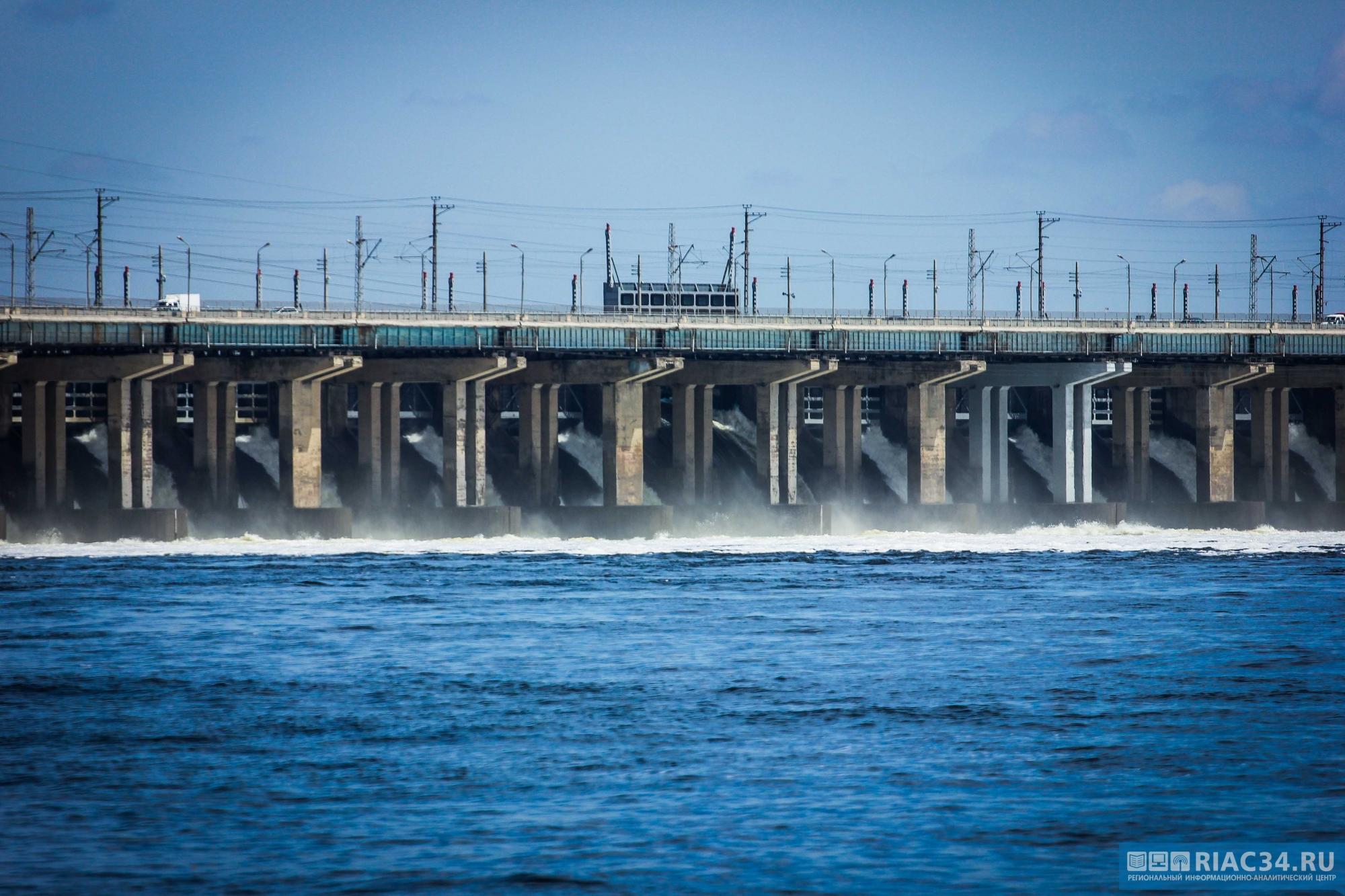 НаВолжской ГЭС сброс воды увеличат до25 кубометров