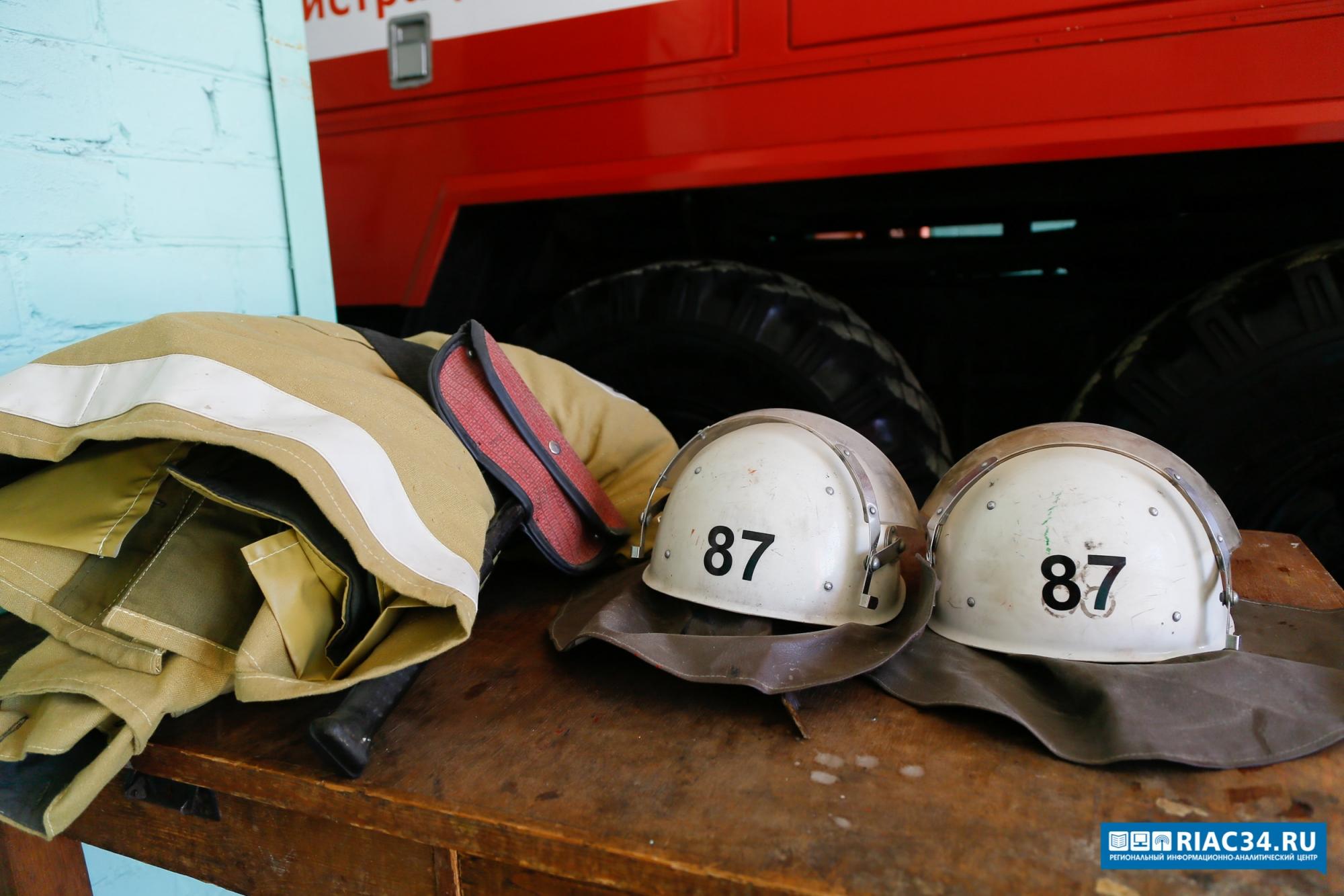 Впожаре насевере Волгограда пострадал старый мужчина