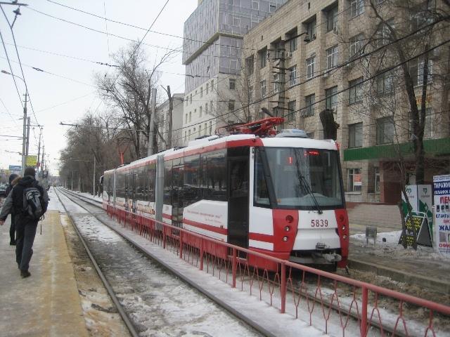 За день общественный транспорт Волгограда перевез 300 тысяч пассажиров