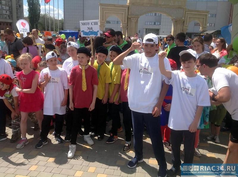 Вблаготворительном забеге «Спорт воблаго» участвовали неменее полутысячи иркутян