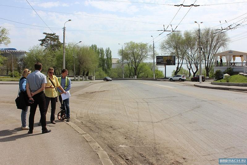 Наулице Кранознаменской вВолгограде новое дорожное покрытие появится вконце лета