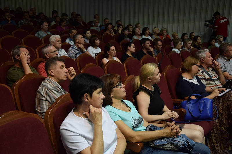 Новым управляющим Волгоградского симфонического ансамбля назначен Андрей Аниханов